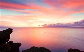 Belo pôr do sol, céu vermelho, mar, nuvens, rochas