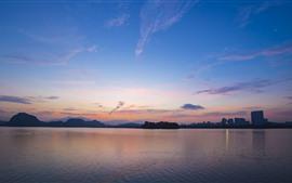 壁紙のプレビュー 都市、湖、夕暮れ、空