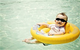 Preview wallpaper Cute baby, sunglasses, swim pool