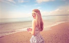미리보기 배경 화면 행복한 금발의 여자, 치마, 해변, 바다, 여름