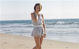 Preview wallpaper Jessica Stroup 01