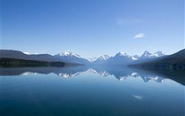Montanhas, lago, reflexão da água, névoa, paisagem da natureza