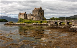 Preview wallpaper Scotland, Eilean Donan Castle, bridge, clouds, lake