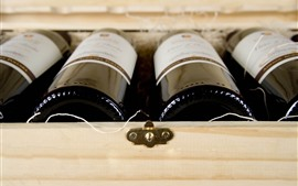 Algumas garrafas de vinho