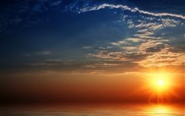 Puesta de sol, mar, rayos de sol, cielo, nubes.