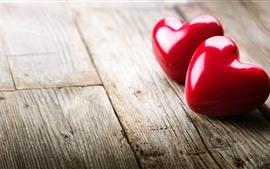 Aperçu fond d'écran Deux coeurs d'amour rouges, planche de bois