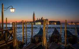 Preview wallpaper Venice, gondola, boats, river, houses, night, lamp, Italy