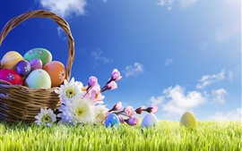 Красочные яйца, корзина, трава, цветы, голубое небо, солнце, пасха