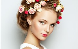 Preview wallpaper Girl, face, head decoration, roses