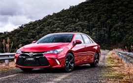 Toyota Camry red vista frontal de coche