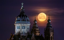 St. Nicholas Church, Amsterdam, Netherlands, full moon, night