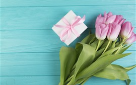 Preview wallpaper Pink tulips and gift