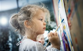 Preview wallpaper Cute little girl is painting