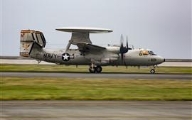 O avião do Hawkeye de E-2D descolar