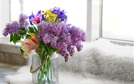 Preview wallpaper Lilac and lily, bouquet, vase, windowsill