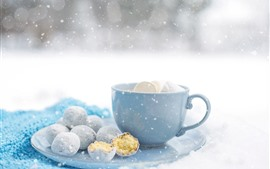 Preview wallpaper Winter, coffee, cake, snow
