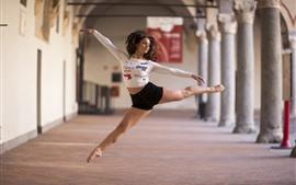 预览壁纸 跳舞的女孩,姿势,跳
