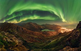 Preview wallpaper Northern lights, mountains, lake, lights, beautiful night