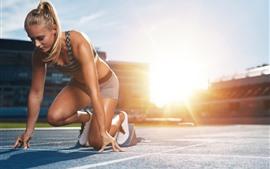 Спорт, девушка, готов к бегу, гонки