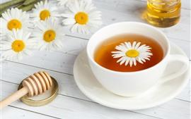 Chá, copo branco, camomila