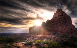 Preview wallpaper Arches National Park, rocks, sun rays, USA