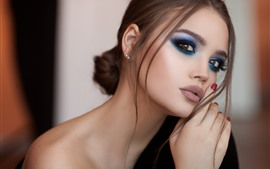 Preview wallpaper Fashion girl, makeup, face, pose