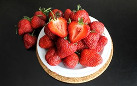 Preview wallpaper Fresh strawberries, plate