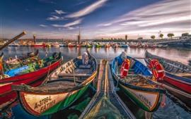 预览壁纸 葡萄牙,阿威罗,一些船,河,码头