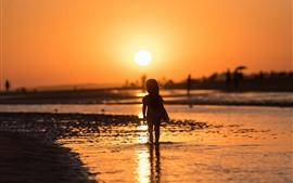 Puesta de sol, río, niña, niño, silueta