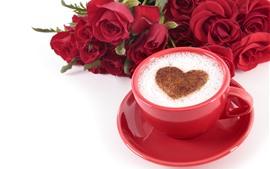 Uma xícara de café, coração de amor, rosas vermelhas, romântico