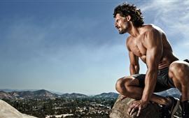 Hombre, músculo, cima de la montaña