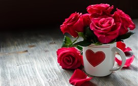 One cup of red roses