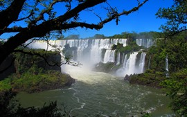 Aperçu fond d'écran Belles cascades, arbres, rivière