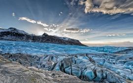 青い氷、氷河、山