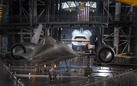 Preview wallpaper Lockheed, hangar, fighter