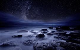 Aperçu fond d'écran Mer, cailloux, étoilé, nuit