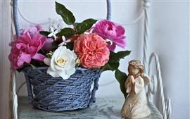 Canasta, rosas, estatuilla de ángel