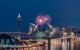 Bellos fuegos artificiales, puente, río, ciudad, luces, Macao