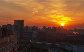 Aperçu fond d'écran Pékin, Chine, ville, coucher de soleil, train à grande vitesse, train