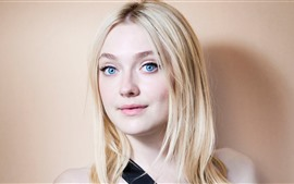 Preview wallpaper Dakota Fanning 03