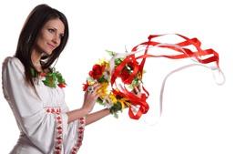 幸せな少女、花輪、白い背景