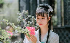 Preview wallpaper Retro style Chinese girl, hanfu, look, flowers