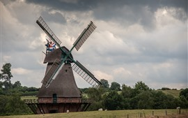 Preview wallpaper Windmill, thick clouds