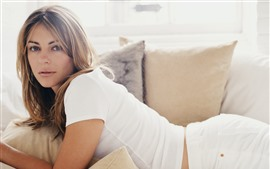 Preview wallpaper Elizabeth Hurley 02