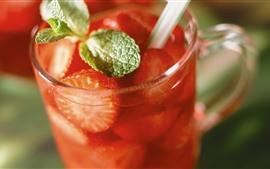 Aperçu fond d'écran Une tasse de fraises, de fruits