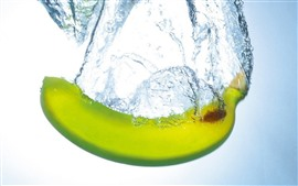 Banana, water splash