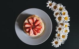 Preview wallpaper Strawberry, pie, chamomile