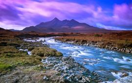 Aperçu fond d'écran Montagnes, ruisseau, ciel, nuages violets
