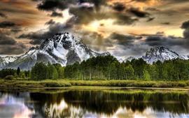 Aperçu fond d'écran Montagnes, arbres, neige, nuages, lac, réflexion de l'eau
