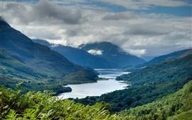 Escocia, montañas, río, nubes, paisaje natural